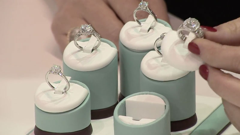 7 Engagement Ring Shopping Tips